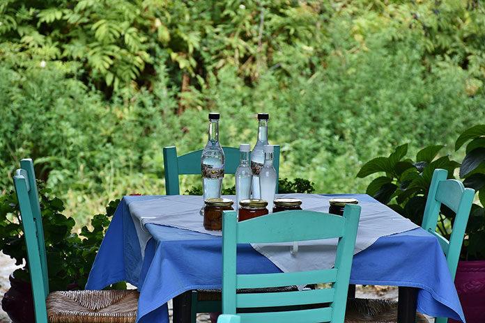 Nowoczesne stoły okrągłe do domów i obiektów gastronomicznych